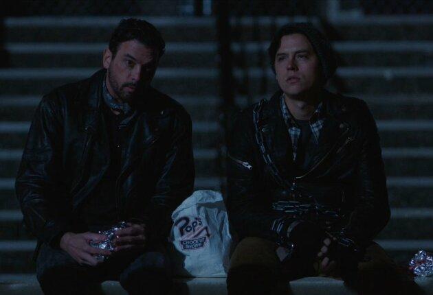 Кадр из «Ривердейл» 2 сезон 16 серия